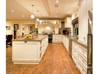 Modern l-shaped kitchen design using hardwood - Kitchen Photo 624552