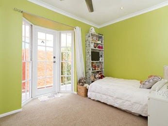Children's room bedroom design idea with carpet & floor-to-ceiling windows using green colours - Bedroom photo 876520