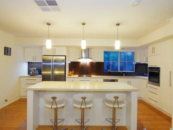 Modern island kitchen design using floorboards - Kitchen Photo 1230274