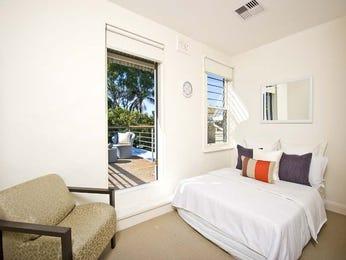 Classic bedroom design idea with carpet & balcony using beige colours - Bedroom photo 469867