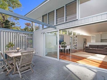 Outdoor living design with deck from a real Australian home - Outdoor Living photo 1270765