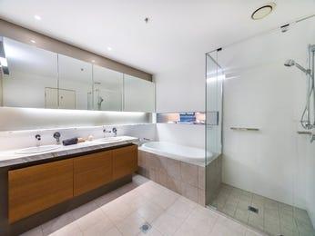 Frameless glass in a bathroom design from an Australian home - Bathroom Photo 2081729