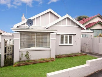 Rendered brick californian bungalow house exterior with brick fence & window awnings - House Facade photo 1589774