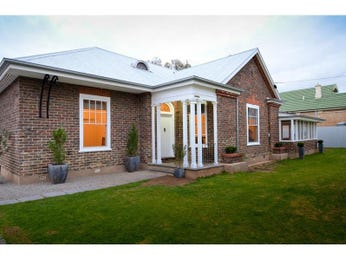 Photo of a brick house exterior from real Australian home - House Facade photo 334237