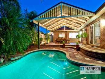 In-ground pool design using brick with outdoor dining & outdoor furniture setting - Pool photo 1156182