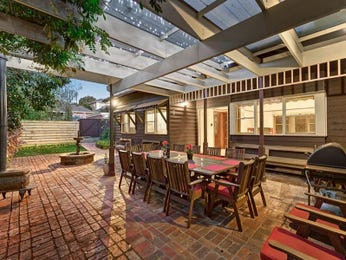 Outdoor living design with outdoor dining from a real Australian home - Outdoor Living photo 8277977