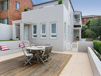 Outdoor living design with balcony from a real Australian home - Outdoor Living photo 335412