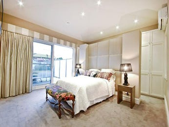 Classic bedroom design idea with carpet & balcony using beige colours - Bedroom photo 476439