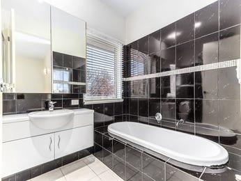 Ceramic in a bathroom design from an Australian home - Bathroom Photo 15002725