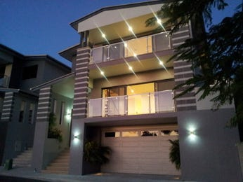 Concrete modern house exterior with balcony & decorative lighting - House Facade photo 1323478