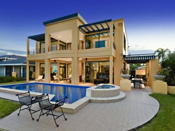 In-ground pool design using grass with bbq area & decorative lighting - Pool photo 1193996