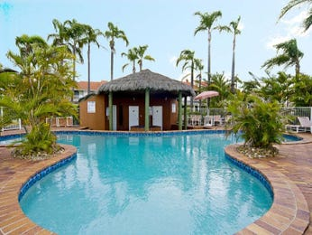 In-ground pool design using brick with gazebo & outdoor furniture setting - Pool photo 1345811