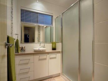 Ceramic in a bathroom design from an Australian home - Bathroom Photo 337058