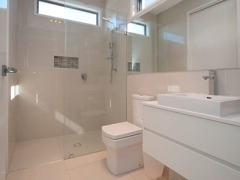 View the bathroom colours photo collection on home ideas for Australian small bathroom design