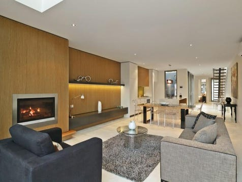 kitchen to fireplace