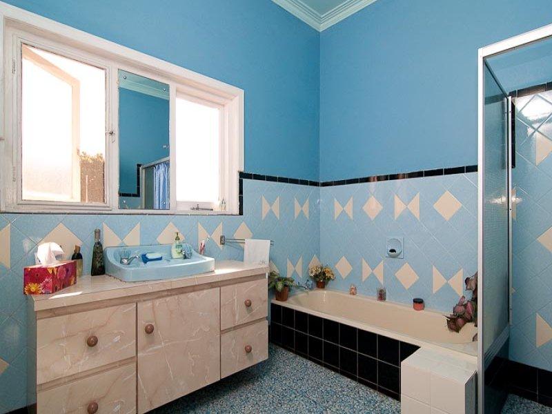 Fabulous Bathroom Design With Corner Bath Using Ceramic Bathroom Photo 502990 Largest Home Design Picture Inspirations Pitcheantrous