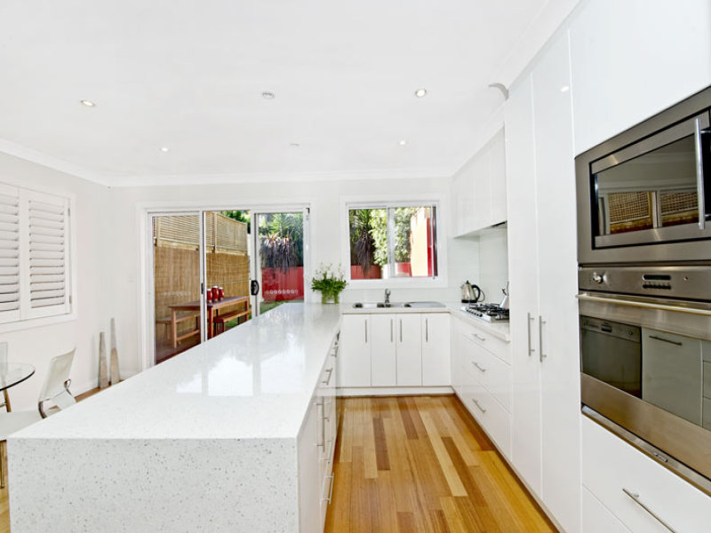 Glass in a kitchen design from an Australian home - Kitchen Photo 477919