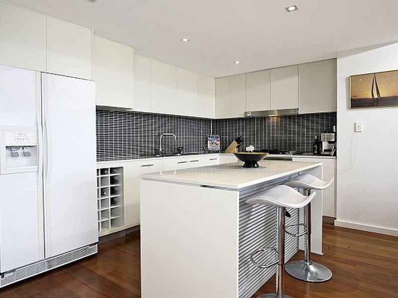 Modern L Shaped Kitchen Design Using Floorboards Kitchen Photo 464135