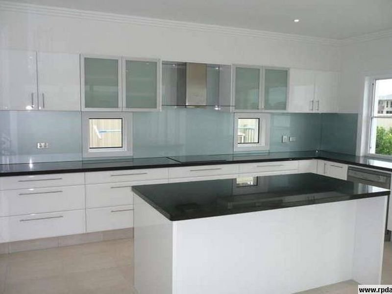 Modern L Shaped Kitchen Design Using Granite Kitchen