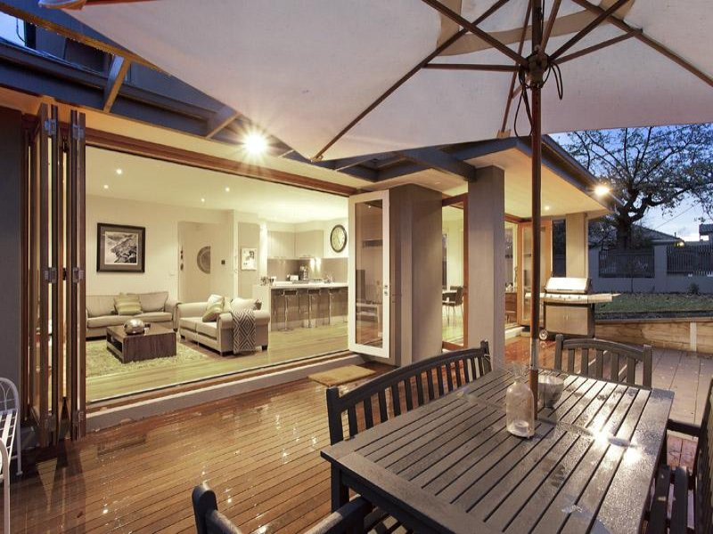 Outdoor living design with balcony from a real australian for Kitchen balcony ideas