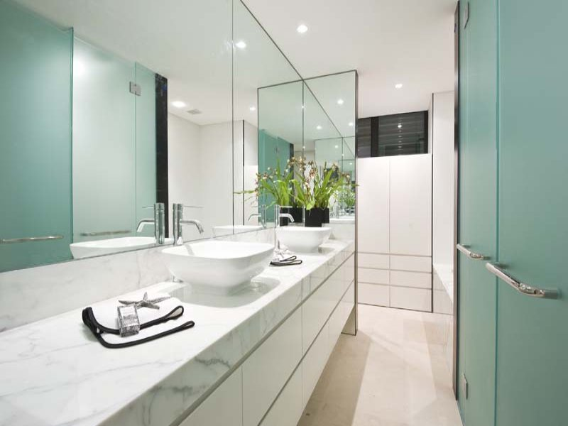 Ceramic In A Bathroom Design From An Australian Home Bathroom Photo 148362