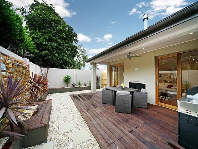 Walled Outdoor Living Design With Bbq Area Decorative