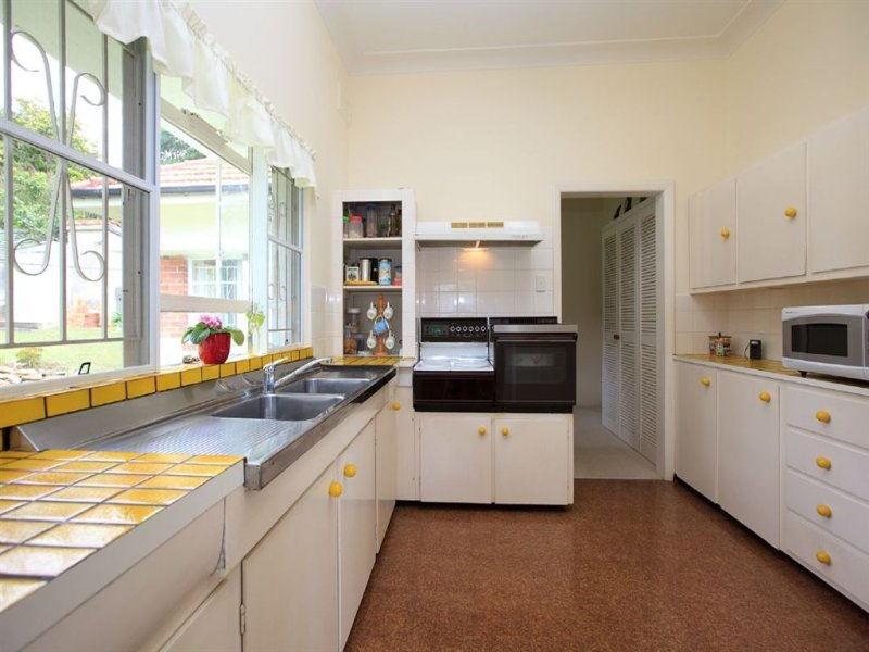 Classic galley kitchen design using tiles kitchen photo for Galley kitchen designs australia