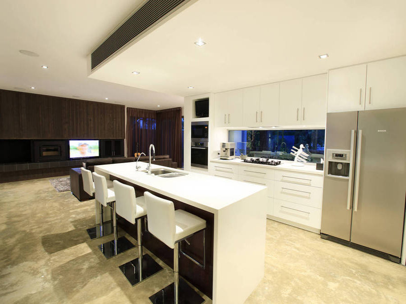 Modern island kitchen design using tiles - Kitchen Photo 360451