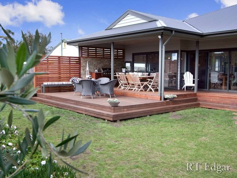 Outdoor living design with bbq area from a real australian Outdoor home design ideas