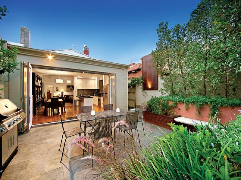 Outdoor living design with bbq area from a real Australian home - Outdoor Living photo 207720