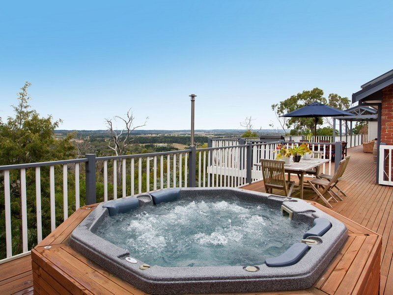 http://i4.au.reastatic.net/home-ideas/raw/7b4995ffc7876743831576b6d31ca7c767ae9eebc362ec10e6bd6bbd7ba4b02c/outdoor+living+areas.jpg