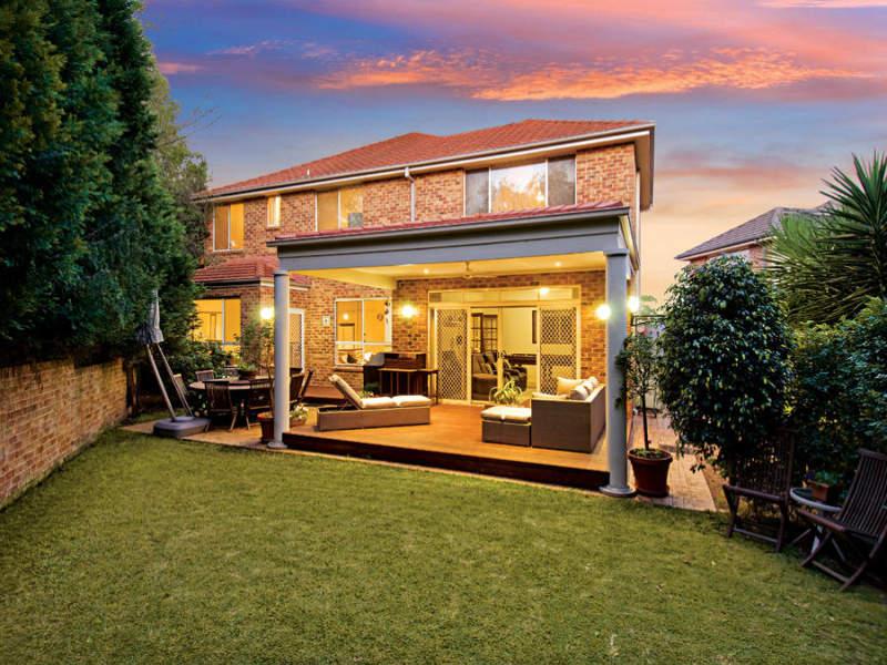 Modern garden design using brick with bbq area for Garden design ideas bbq