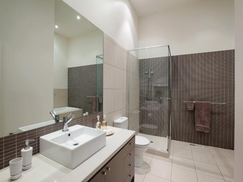 Australian bathroom designs small bathroom ideas in for Australian small bathroom design