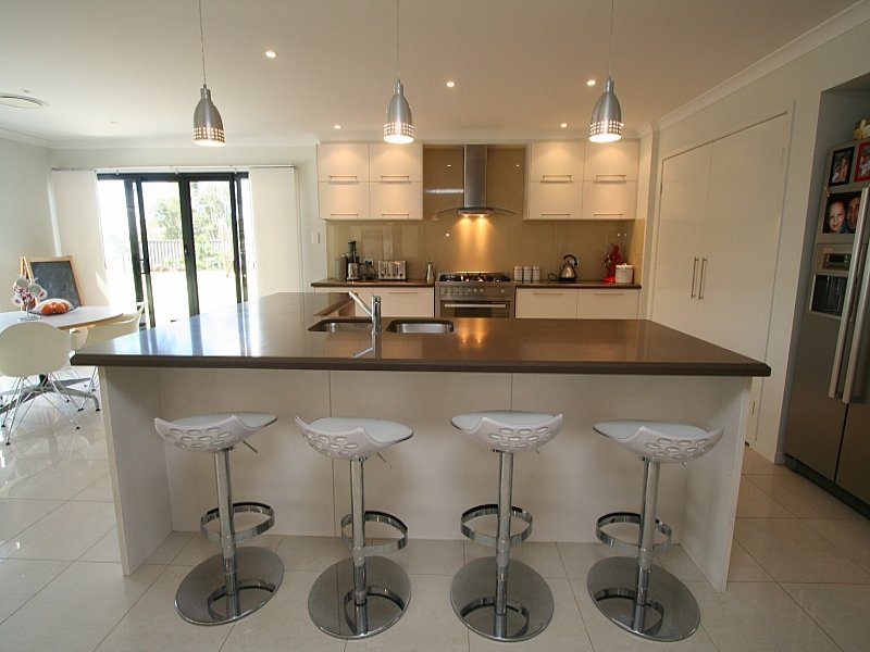 L shaped kitchen designs with breakfast bar wow blog for L shaped breakfast bar