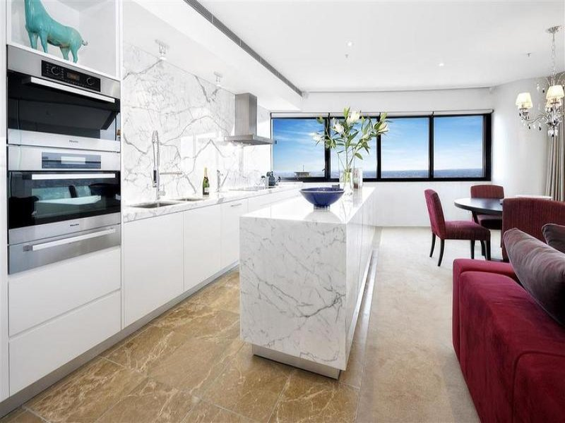 Modern island kitchen design using marble - Kitchen Photo 269470