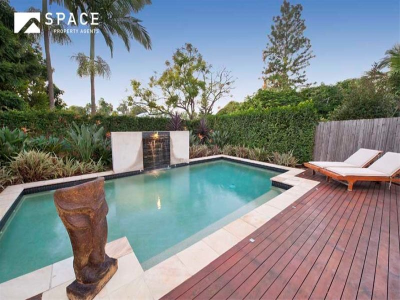 Landscaped Pool Design Using Brick With Pool Fence Outdoor Furniture Se