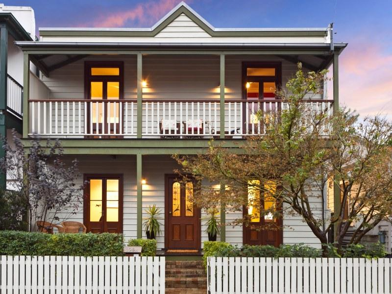 Home interior events weatherboard home designs for Weatherboard house designs