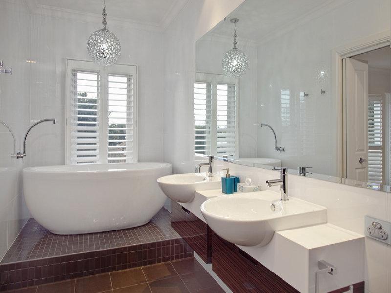 Modern bathroom design with freestanding bath using for Bathroom with bathtub