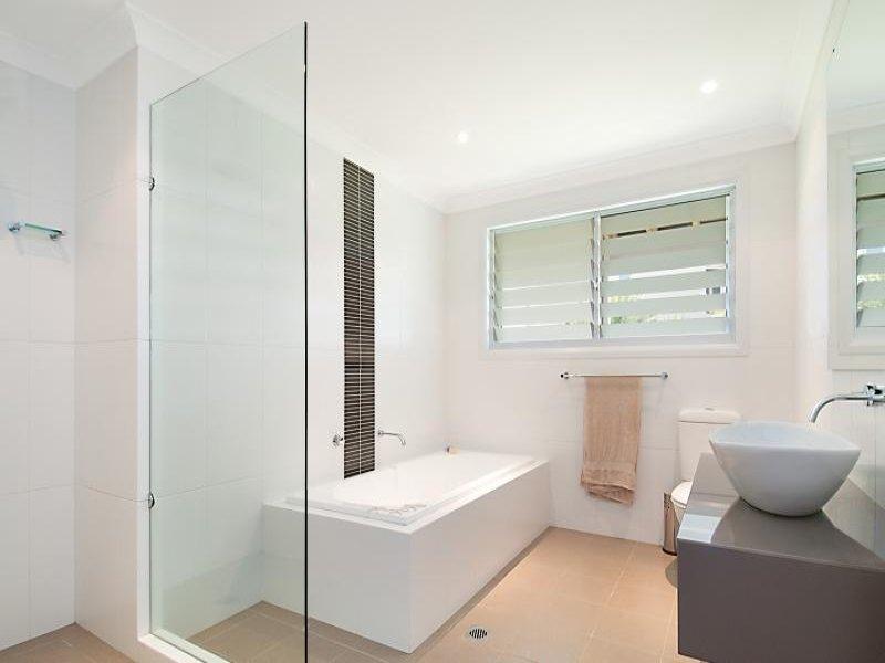 Curtain for bathroom window