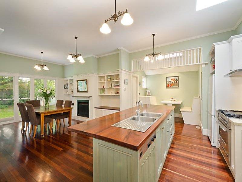 Retro kitchen dining kitchen design using floorboards for Country kitchen ideas australia