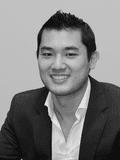 Michael Lo,