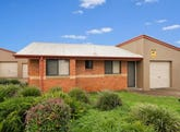 Room B Unit 7/15 Donna Court, Kearneys Spring, Qld 4350