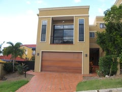 5a Rivage Place, Highland Park, Qld 4211
