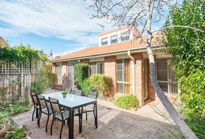 2/8 Clamp Place, Greenway, ACT 2900