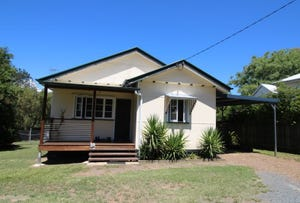 24 Down Street, Esk, Qld 4312
