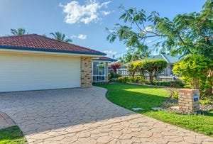 5 Marco Polo Dr, Cooloola Cove, Qld 4580