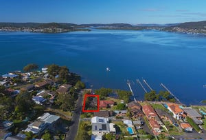 21 Noonan Point Avenue, Point Clare, NSW 2250