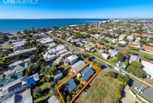 30 Dunns Terrace, Scarborough, Qld 4020