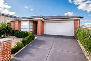 35 Frankland Street, Clyde North, Vic 3978
