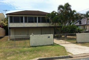 23 Reef Point Esplanade, Scarborough, Qld 4020